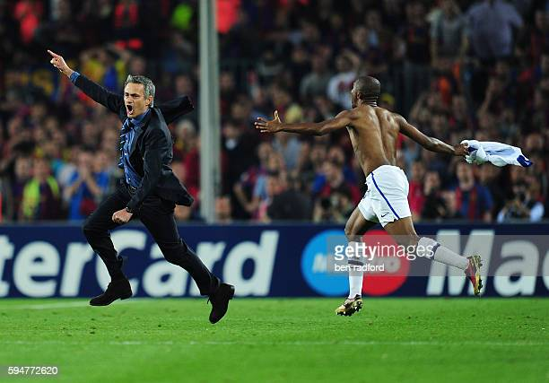 Inter Milan Coach Jose Mourinho and Samuel Eto'o celebrate victory in the UEFA Champions League Semi Final 2nd Leg match between Barcelona and Inter...