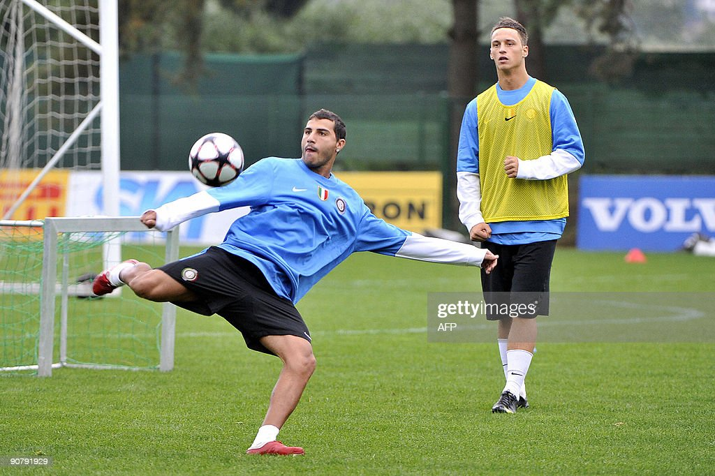 (From L) Inter Milan players Ricardo Qua : News Photo