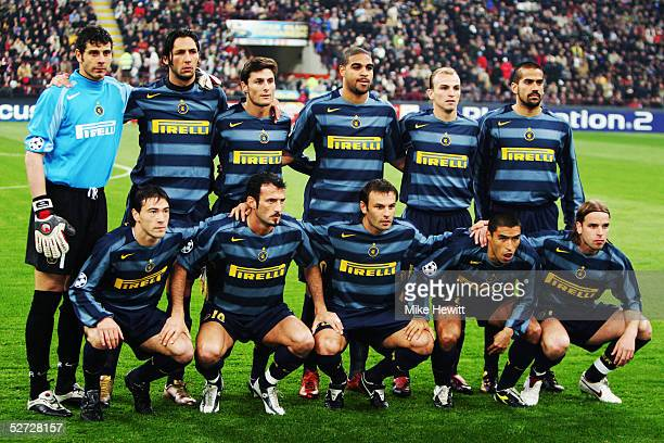 Inter Milan team line up prior to the UEFA Champions League quarterfinal second leg between Inter Milan and AC Milan at the San Siro Stadium on April...