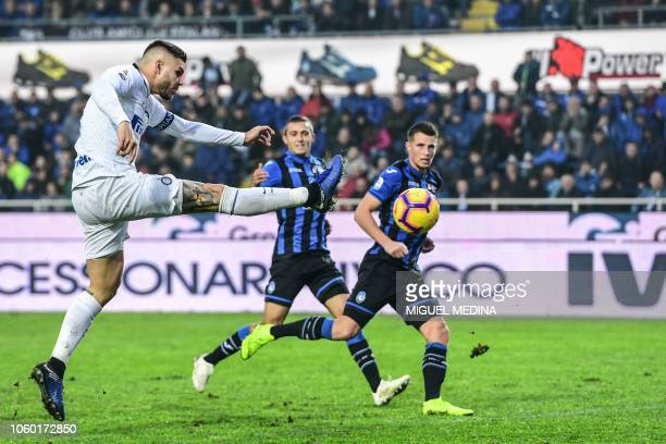 Inter Milan's Argentine forward Mauro Icardi shoots on goal during the Italian Serie A football match Atalanta Bergamo v Inter Milan at the Atleti...