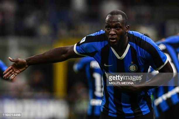 Inter Milan's Belgian forward Romelu Lukaku celebrates after scoring during the Italian Serie A football match Inter Milan vs US Lecce on August 26,...