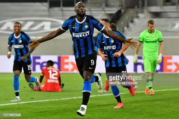 Inter Milan's Belgian forward Romelu Lukaku celebrates scoring the 2-0 with his team-mates during the UEFA Europa League quarter-final football match...