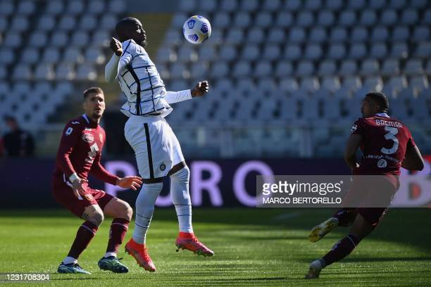 Inter Milan's Belgian forward Romelu Lukaku chest controls the ball during the Italian Serie A football match Torino vs Inter Milan on March 14, 2021...