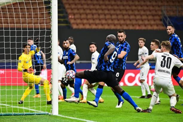 ITA: FC Internazionale v Borussia Moenchengladbach: Group B - UEFA Champions League