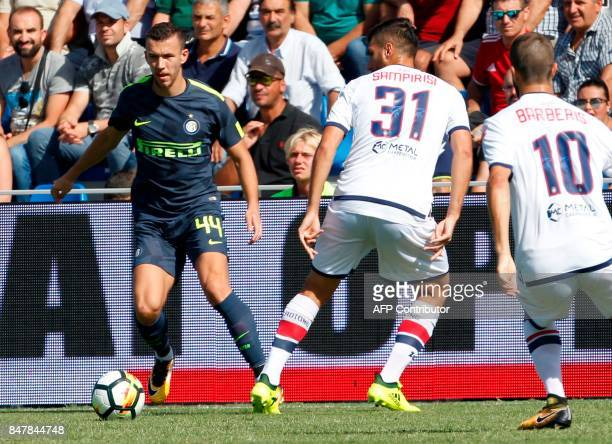 Inter Milan's Croatian midfielder Ivan Perisic controls the ball during the Italian Serie A football match FC Crotone vs FC Internazionale Milano on...