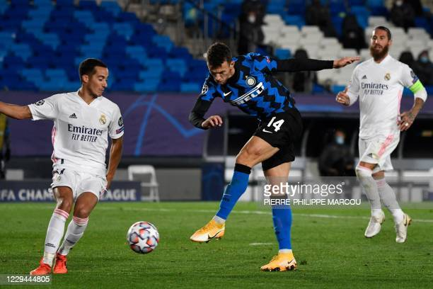 Inter Milan's Croatian midfielder Ivan Perisic scores a goal during the UEFA Champions League group B football match between Real Madrid and Inter...