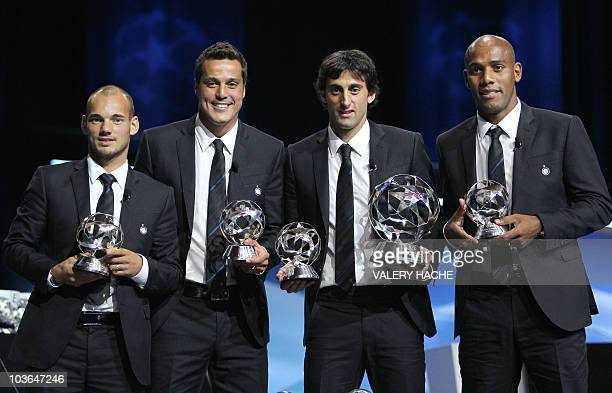 Inter Milan's Dutch midfielder Wesley Sneijder, Brazilian goalkeeper Julio Cesar, Argentinian forward Diego Milito and Brazilian defender Maicon,...