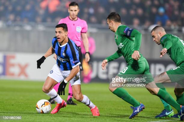 Inter Milan's forward Alexis Sanchez from Chile controls the ball during the UEFA Europa League round of 32 first leg football match between PFC...