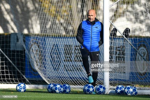Inter Milan's head coach Luciano Spalletti supervises a training session at the Appiano Gentile training ground on November 27 on the eve of the UEFA...