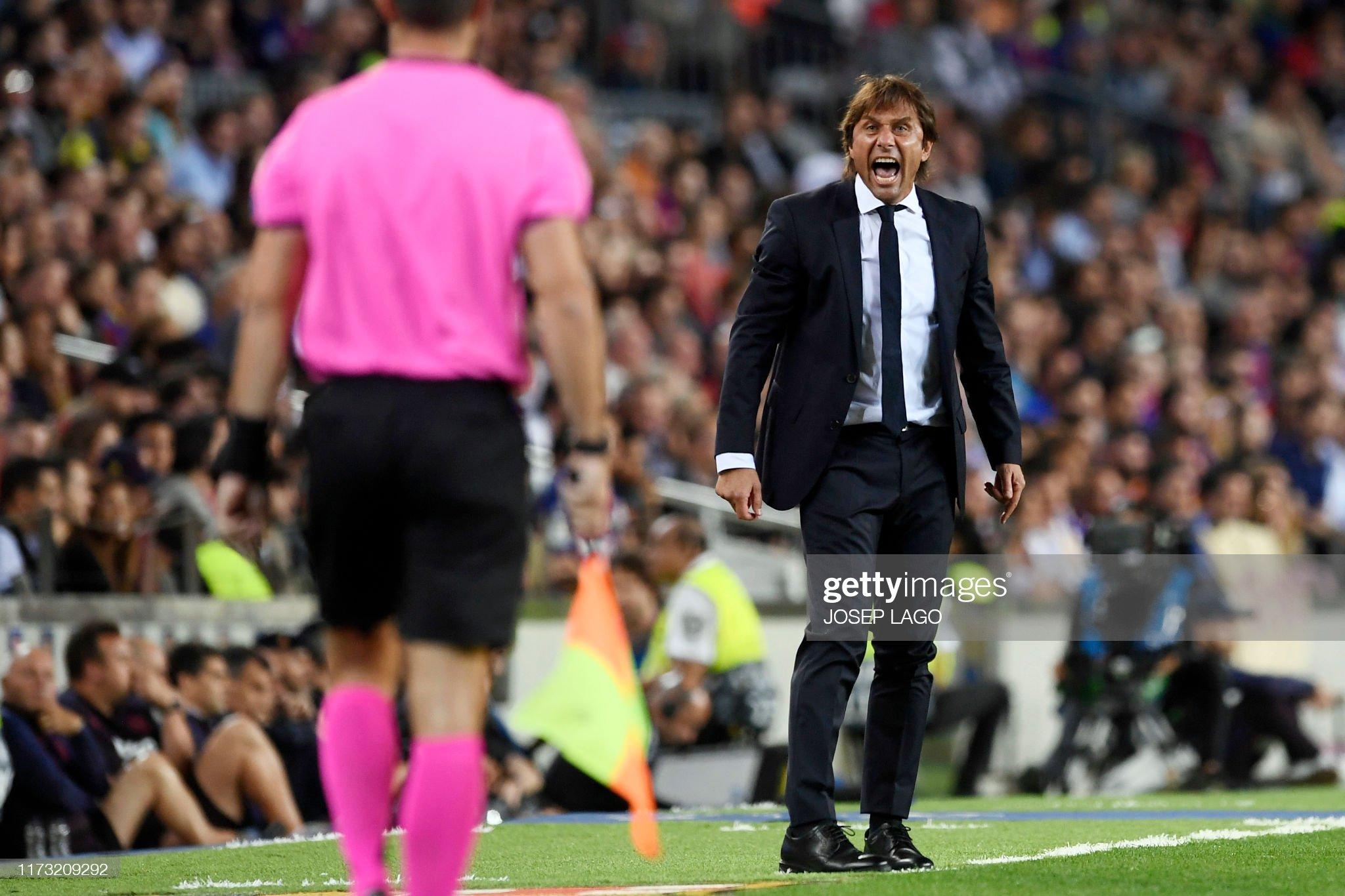 صور مباراة : برشلونة - إنتر 2-1 ( 02-10-2019 )  Inter-milans-italian-coach-antonio-conte-protests-to-a-referee-during-picture-id1173209292?s=2048x2048