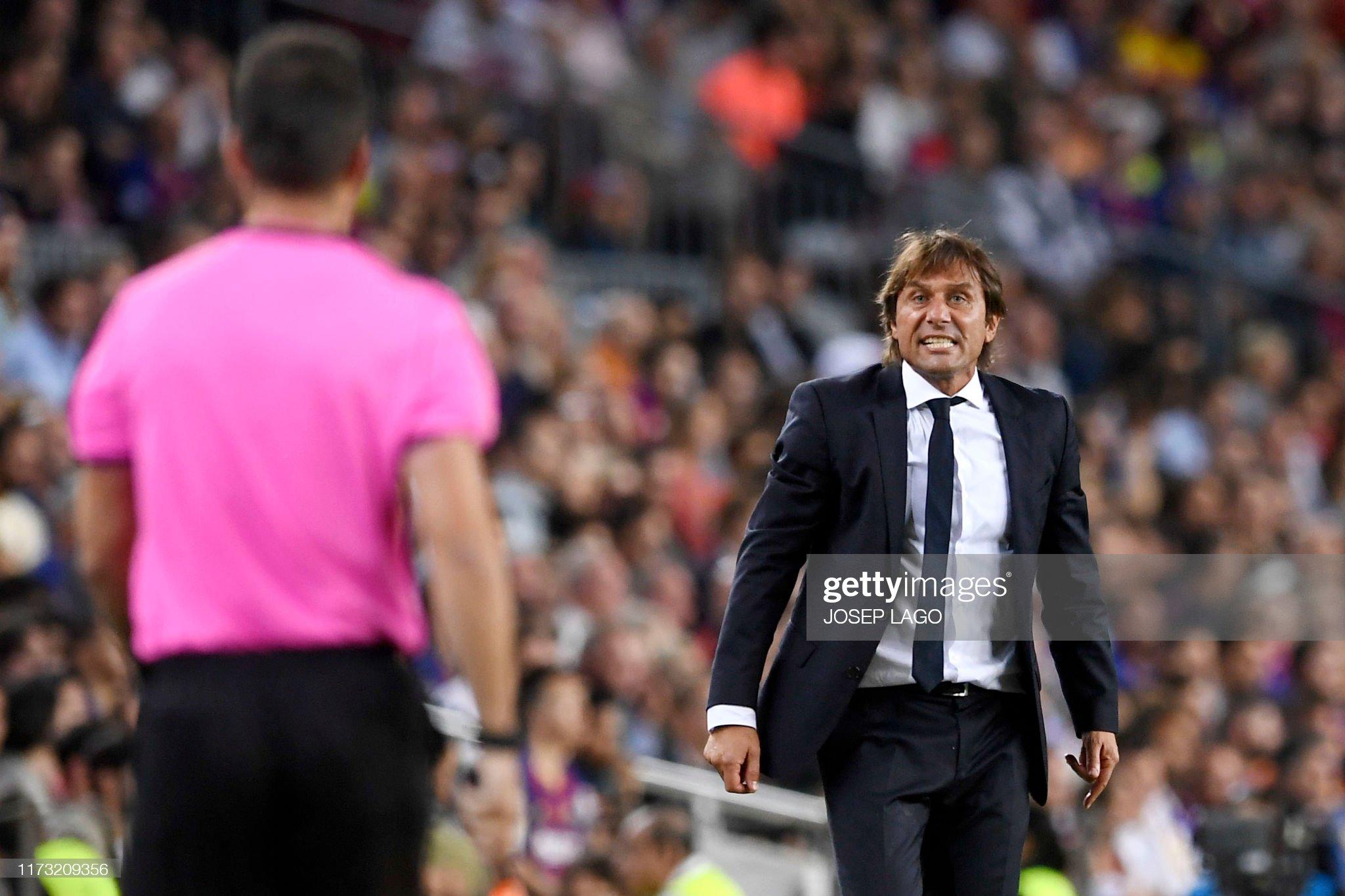 صور مباراة : برشلونة - إنتر 2-1 ( 02-10-2019 )  Inter-milans-italian-coach-antonio-conte-protests-to-a-referee-during-picture-id1173209356?s=2048x2048