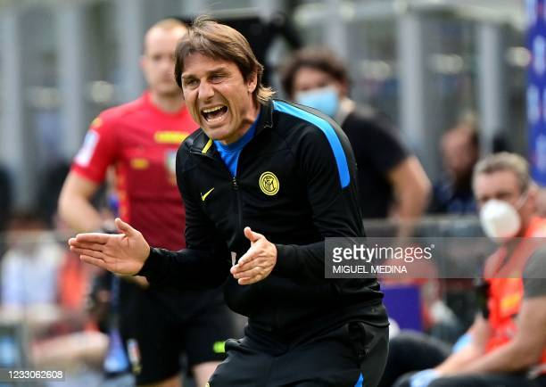 Inter Milan's Italian coach Antonio Conte shouts instructions during the Italian Serie A football match Inter Milan vs Udinese on May 23, 2021 at the...