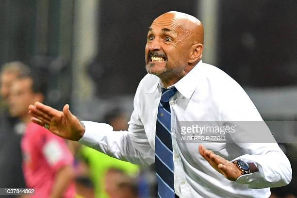 Inter Milan's Italian coach Luciano Spalletti gestures during the Italian Serie A football match Sampdoria vs Inter Milan at the Luigi Ferraris...