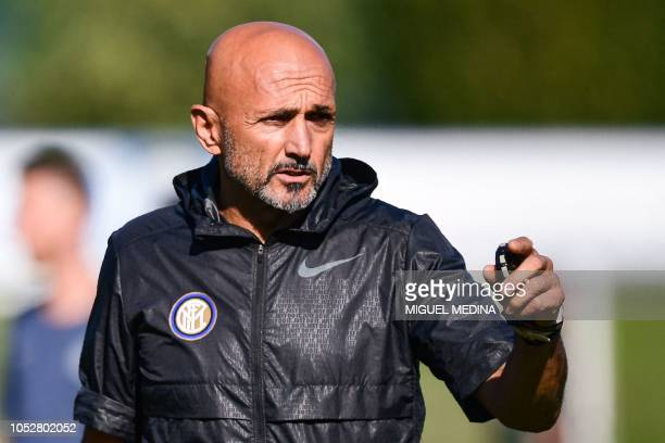 Inter Milan's Italian coach Luciano Spalletti supervises a training session on October 23 2018 at the Appiano Gentile training ground near Como on...