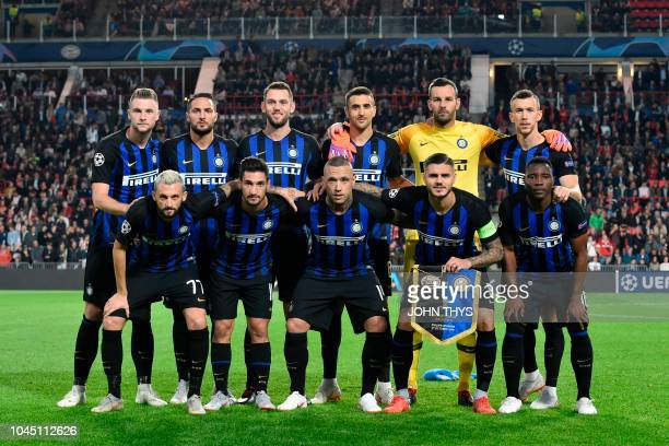 Inter Milan's players pose prior to the UEFA Champions League Group B football match PSV Eindhoven vs Inter Milan at Philips stadium in Eindhoven on...