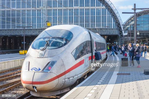 Eis - Intercity Express-High-Speed-Zug Ankunft in Amsterdam