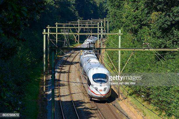 """intercity express (ice) train of the deutsche bahn (db) - """"sjoerd van der wal"""" stockfoto's en -beelden"""