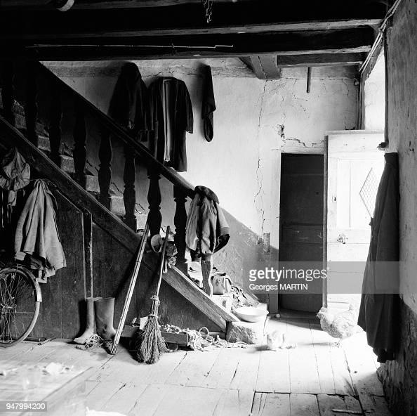 Interieur d\'une maison dans le Quercy, circa 1960 en France ...