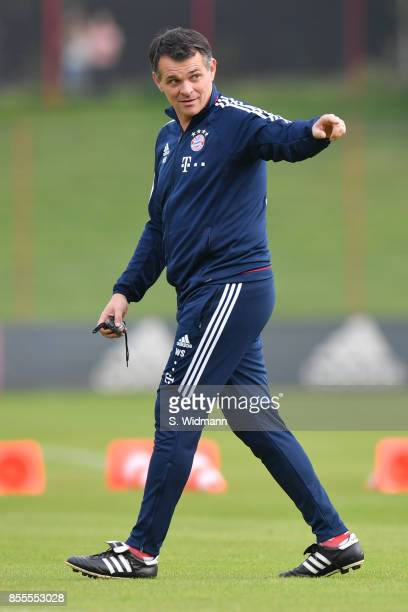 Interim coach Willy Sagnol of FC Bayern Muenchen gestures during a training session at Saebener Strasse training ground on September 29 2017 in...
