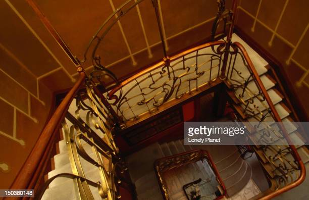 interior detail of spiralling staircase of art nouveau facade of musee (museum) horta, st-gilles. - art nouveau stock pictures, royalty-free photos & images
