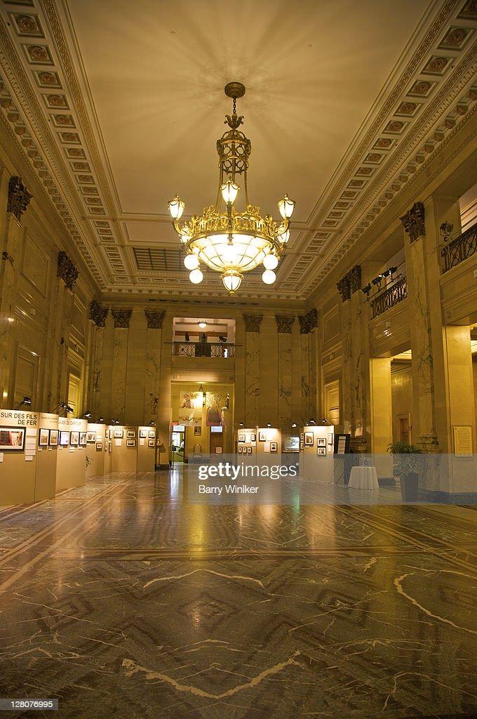 Interior hotel de ville city hall finished 1878 in second for Hotel design quebec