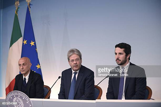 Interior Minister Marco Minniti the prime minister Paolo Gentiloni and the coordinator of the Committee Lorenzo Vidino participate at the press...