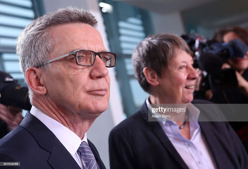 Interior Minister Thomas de Maiziere (CDU) arrives for the weekly German federal Cabinet meeting on January 27, 2016 in Berlin, Germany. High on the meeting's agenda was discussion of the country's annual business report.