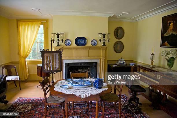 interior of 18th century brooklyn landmark. - século xviii - fotografias e filmes do acervo