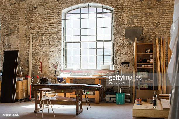 interior of a carpenter's workshop - werkplaats stockfoto's en -beelden