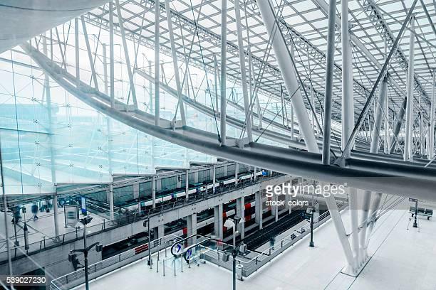 Innenansicht des Flughafens Charles de Gaulle