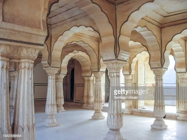 interior of amber fort jaipur - arco architettura foto e immagini stock