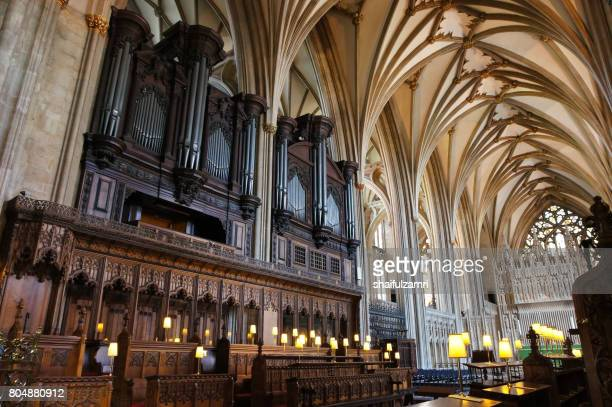 interior of bristol cathedral in united kingdom - shaifulzamri 個照片及圖片檔