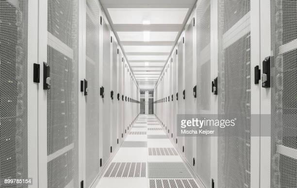 interior of data centre - servidor de rede - fotografias e filmes do acervo