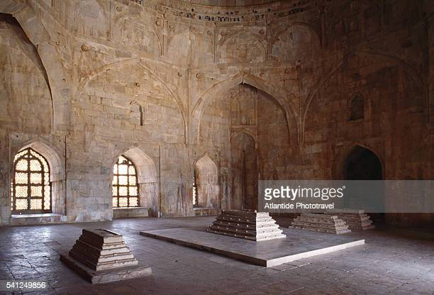 interior of hoshang shah's tomb - hoshang shah's tomb stock pictures, royalty-free photos & images