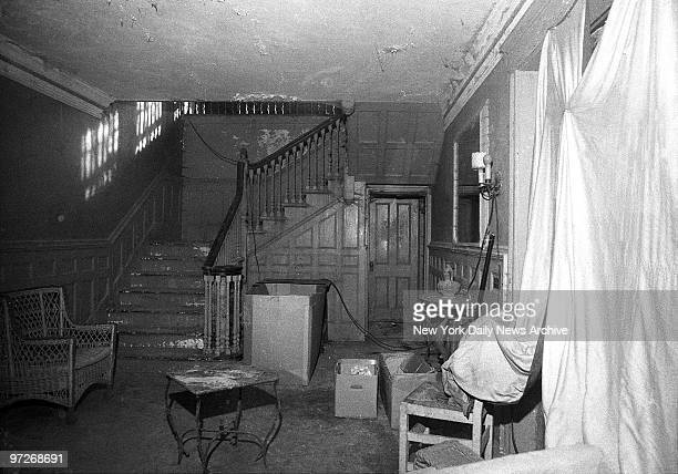 Interior of house lived in by Edith Bouvier Beale Jackie Onassis' aunt Edith Bouvier Beale and her spinster daughter Edith call it home Their 28room...