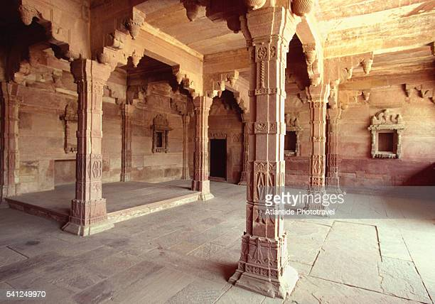 interior of jodh bai's palace - fatehpur sikri stock pictures, royalty-free photos & images