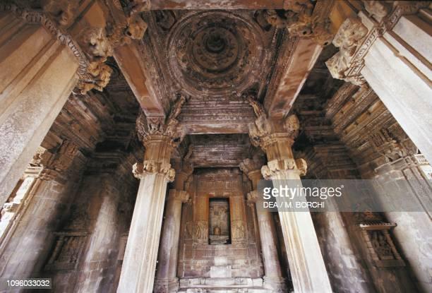 Interior of Kandariya Mahadeva temple, Khajuraho group of Monuments , Madhya Pradesh, India, 11th century.