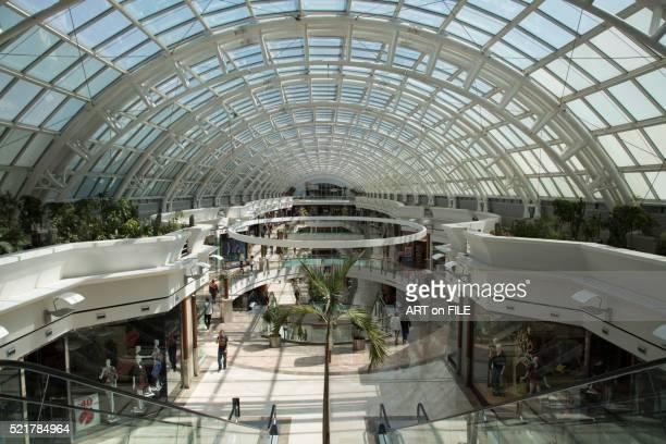 interior of kanyon shopping mall - contemporary istanbul foto e immagini stock