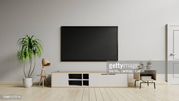 interior of living room - muur stockfoto's en -beelden