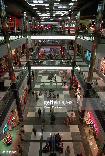 interior of mall of america - minneapolis stock pictures, royalty-free photos & images