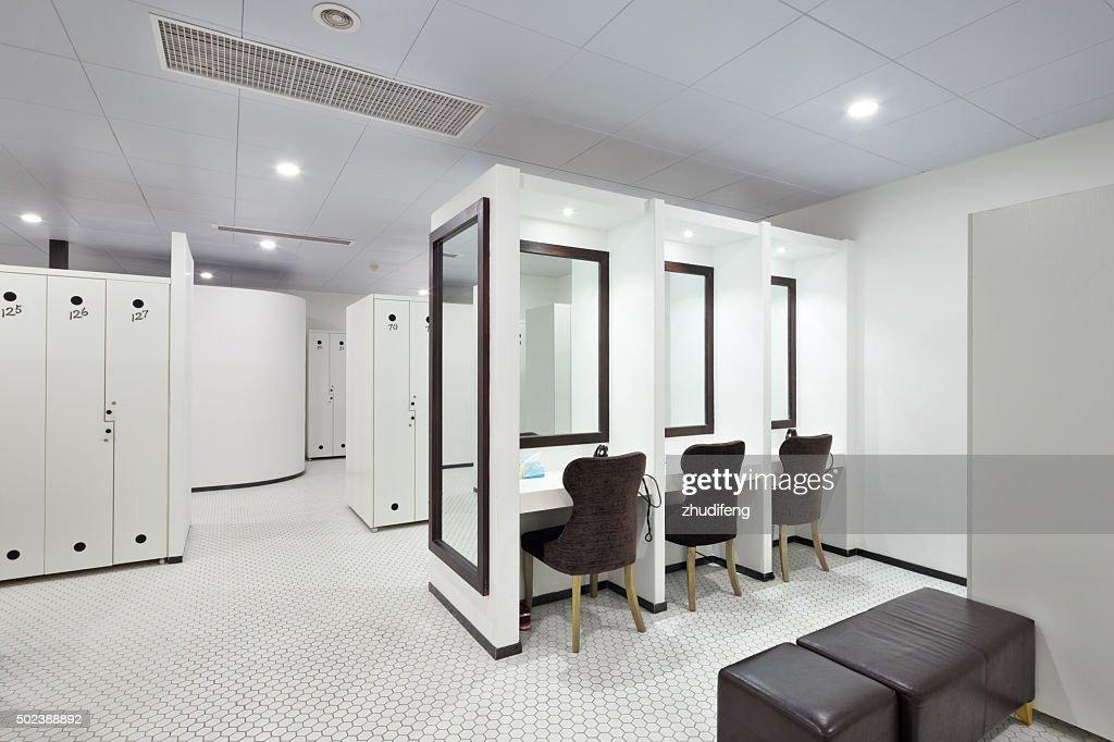Interieur Des Modernen Ankleidezimmer Stock-Foto - Getty Images