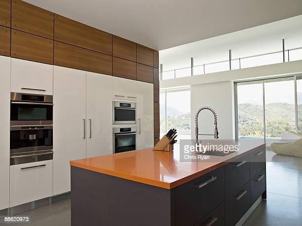 interior de cocina moderna - calabasas fotografías e imágenes de stock