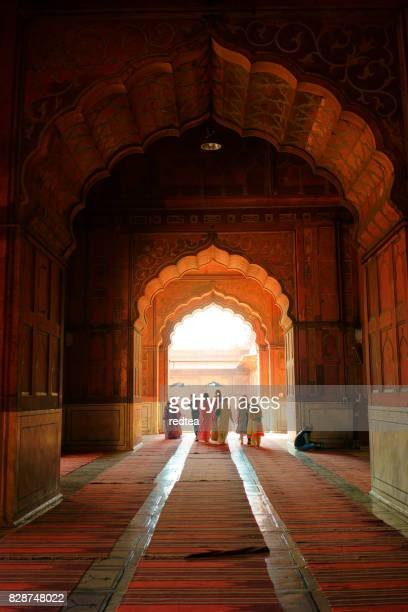interior of mosque jama masjid, delhi, india - jama masjid delhi stock pictures, royalty-free photos & images