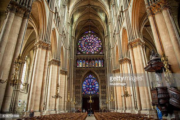 interior of notre-dame de reims, reims cathedral - reims cathedral stock pictures, royalty-free photos & images