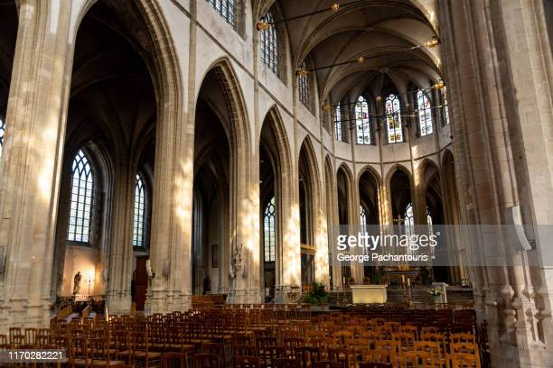 interior of saint eloi in dunkirk, france - dunkirk evacuation stock pictures, royalty-free photos & images