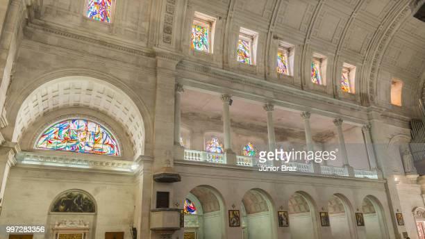 interior of sanctuary  of fatima, estremadura, portugal - fatima portugal photos et images de collection