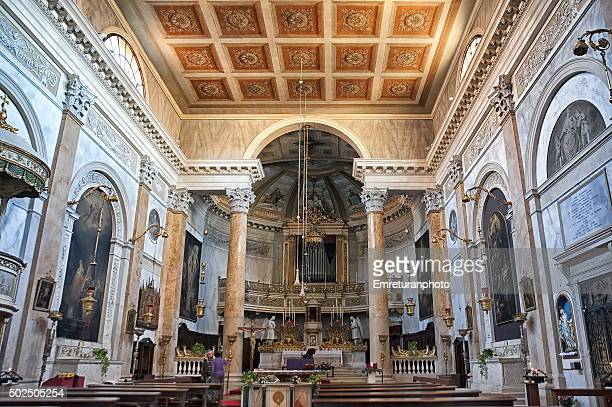 interior of s.silvestro church,venice - emreturanphoto stockfoto's en -beelden