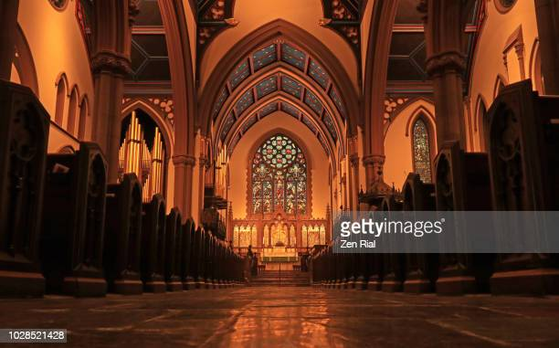interior of st. paul's episcopal cathedral in buffalo, new york - buffalo bundesstaat new york stock-fotos und bilder