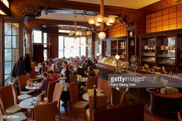 https://media.gettyimages.com/photos/interior-of-the-art-nouveau-coffehouse-riquet-picture-id521879064?s=612x612