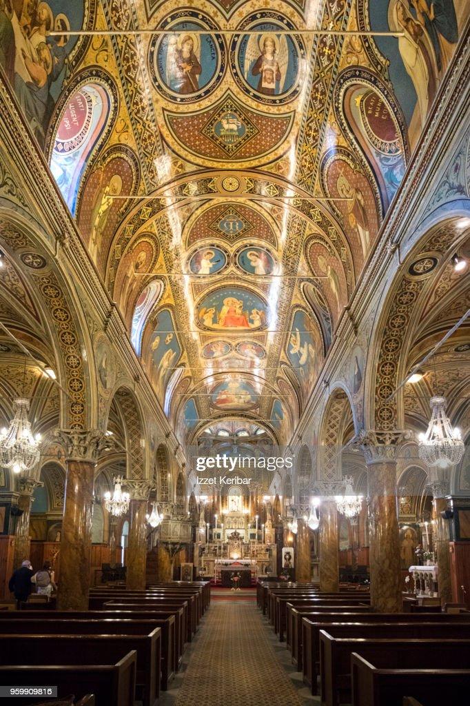 Interior of the Catholic Church St Polycarp, at Izmir : Stock-Foto